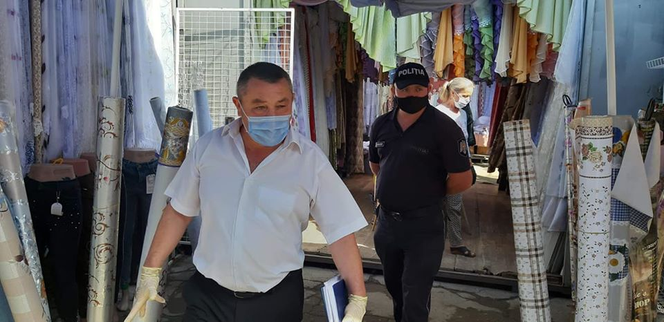 Verificarea respectării măsurilor sanitare de protecție contra COVID-19 la unitățile comerciale.